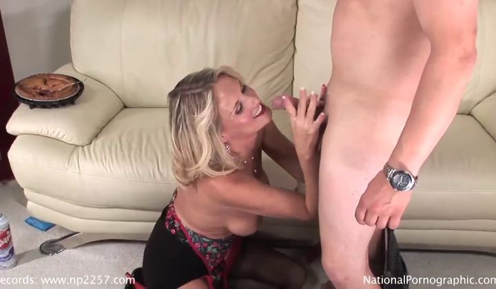 Sexy Fantastic Towheaded Cougar Bridgett Lee Penetrated